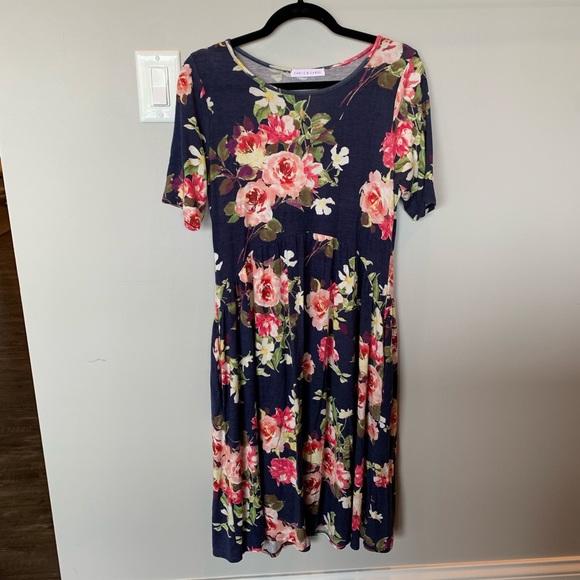 Chris & Carol Dresses & Skirts - Floral day dress